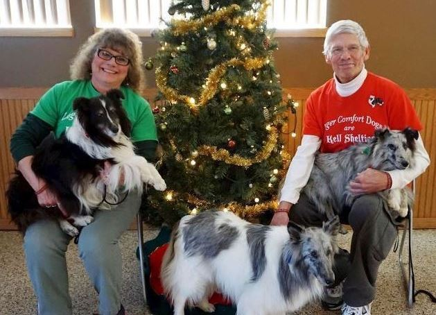 Steve and Debbie Loger with therapy dogs
